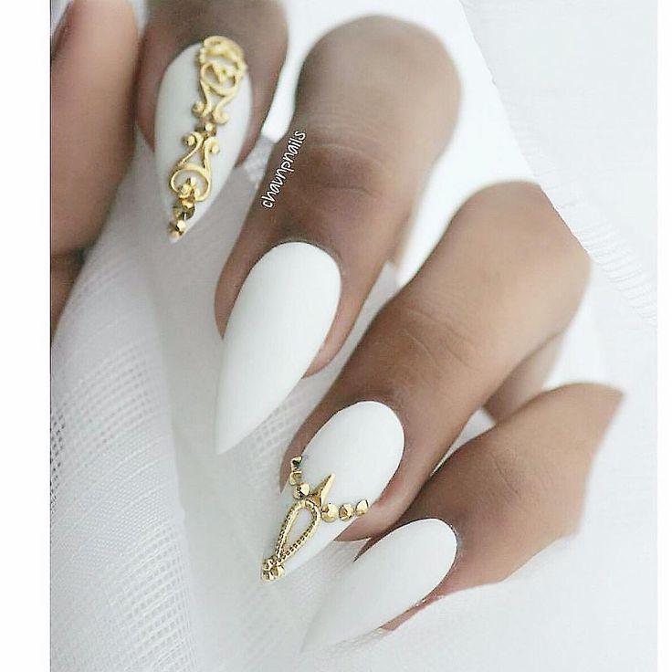 stiletto nails white and gold photo - 2