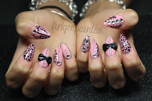 stiletto nails with rhinestones and bows photo - 1