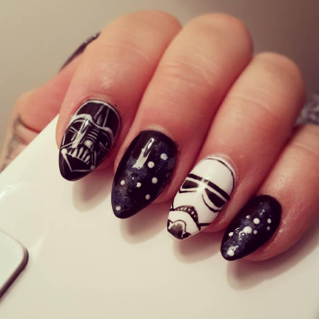 subtle acrylic nails photo - 2