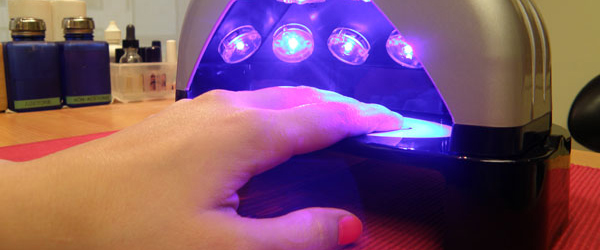 what kind of uv light is used for gel nails photo - 1