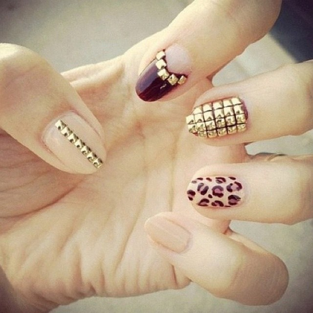 what liquid do you use for acrylic nails photo - 2