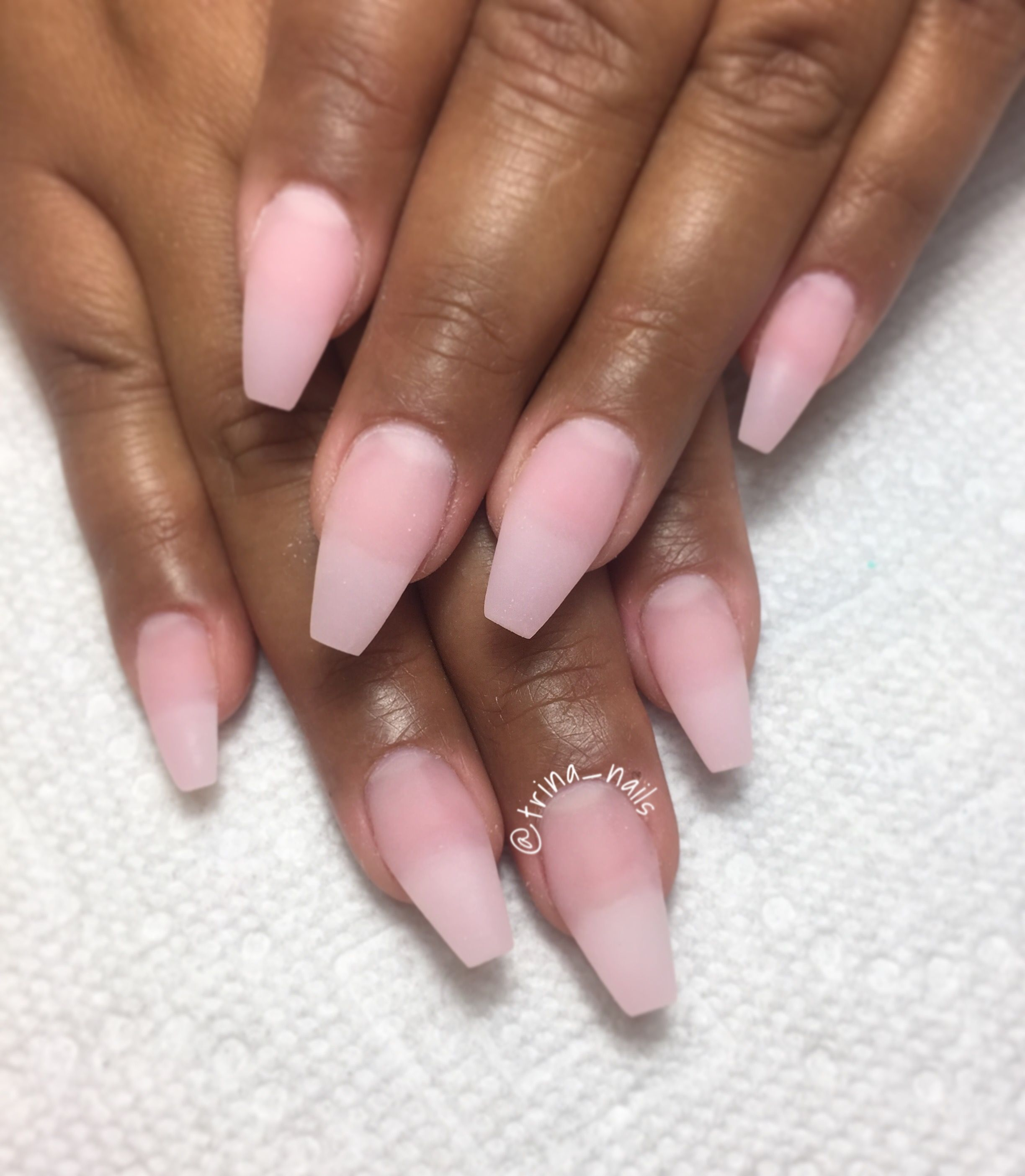 what liquid is used for gel nails photo - 2