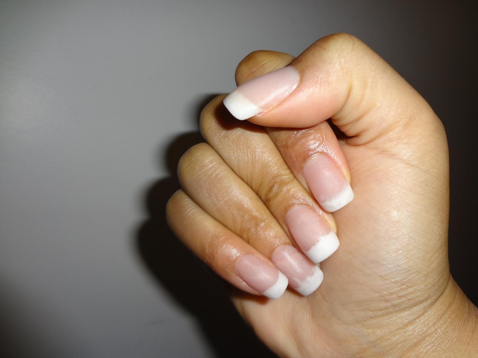 what makes acrylic nails hurt photo - 2