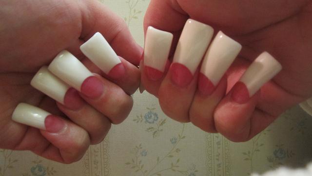 white acrylic nails really long photo - 1