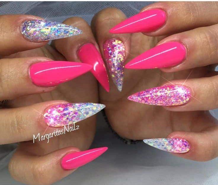 white acrylic nails with glitter photo - 1