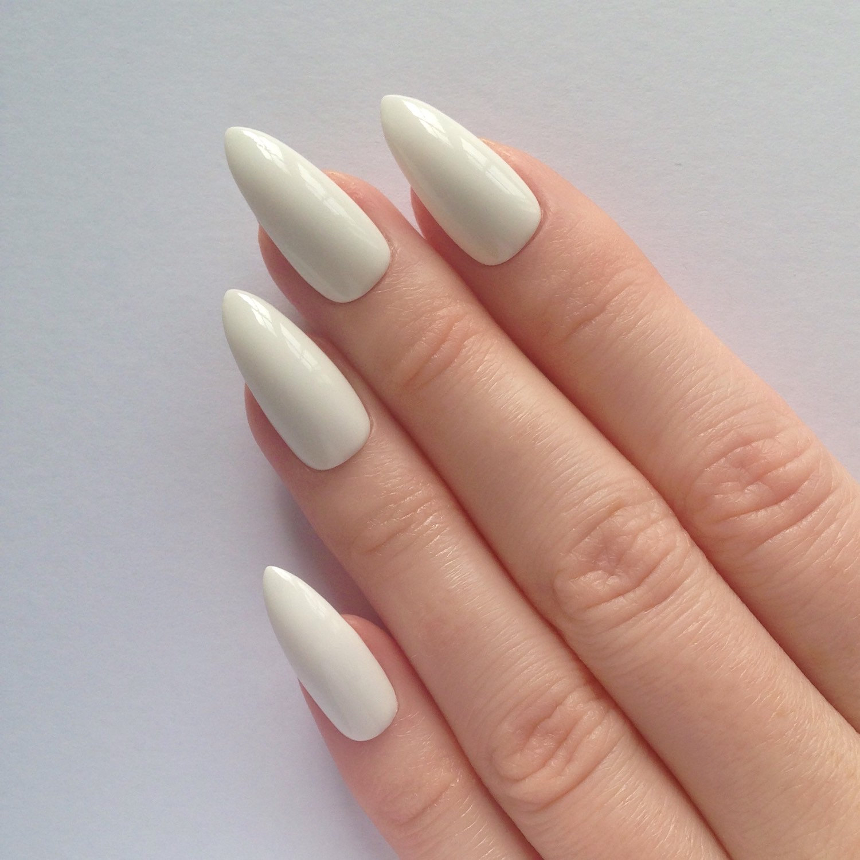 white acrylic stiletto nails photo - 1
