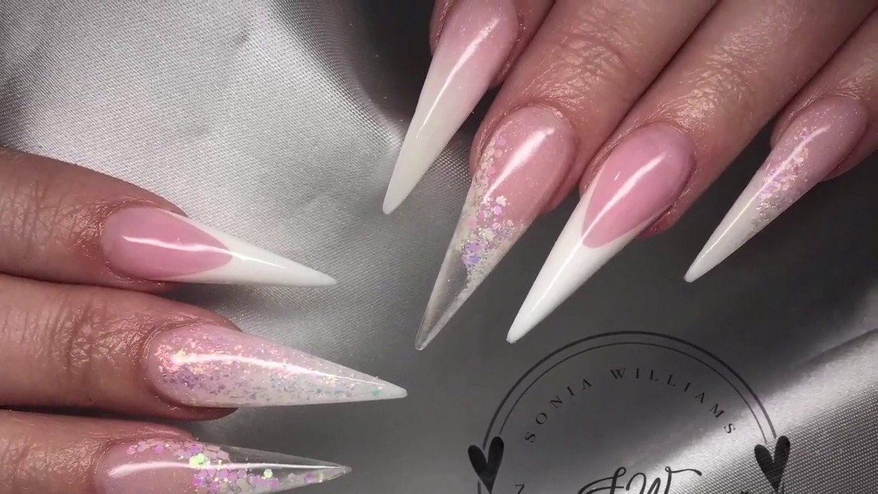 white acrylic stiletto nails photo - 2