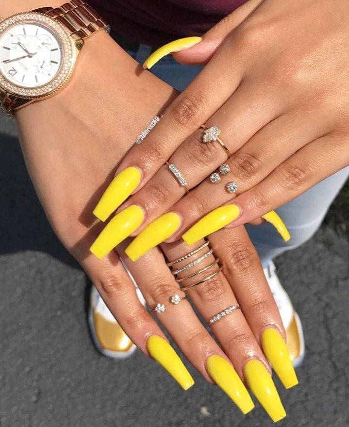 yellow coffin nails photo - 1